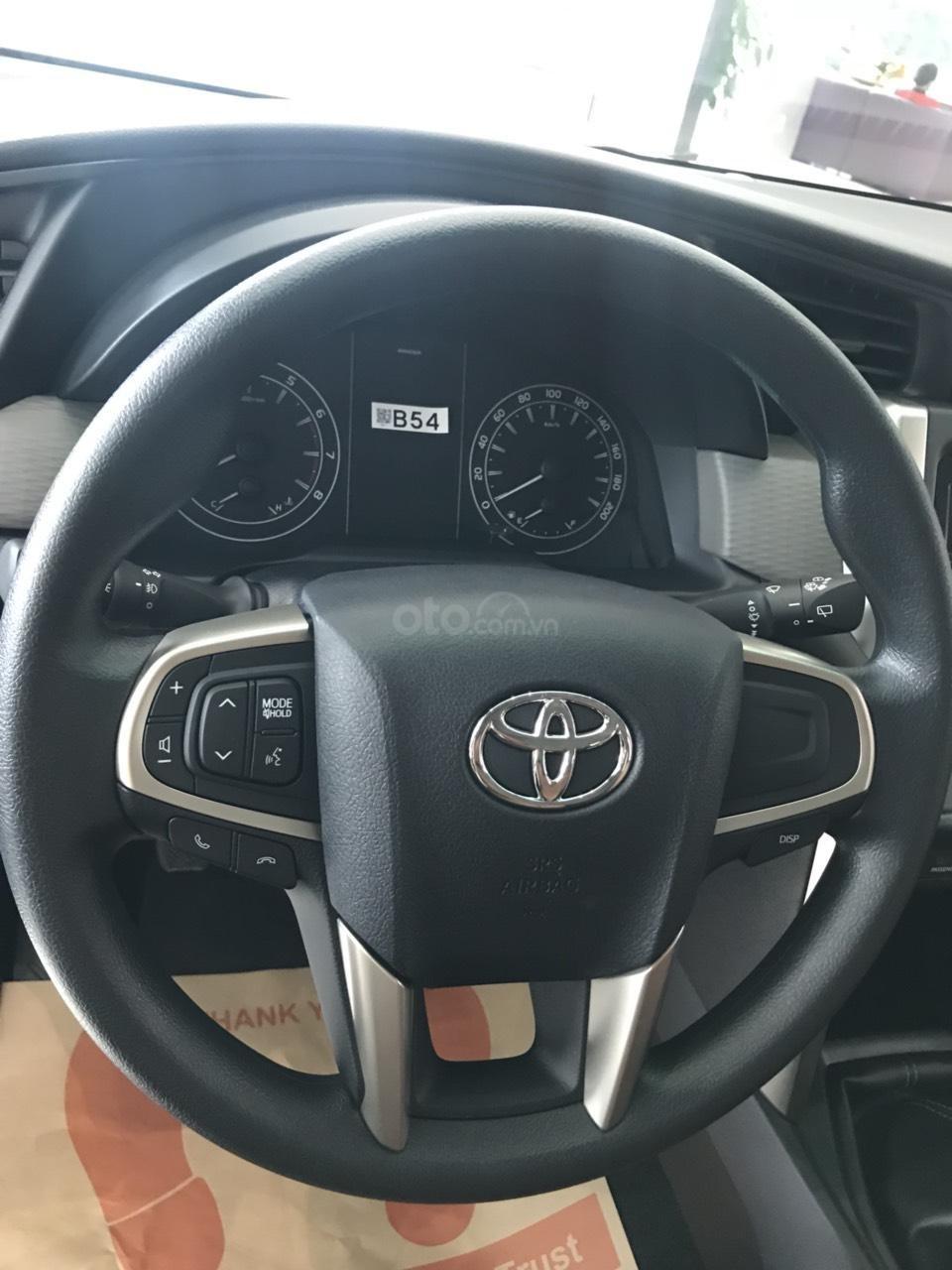 Toyota Hùng Vương bán xe Toyota Innova 2.0E 2019 - Tháng 5 khuyến mãi cực khủng giảm ngay 30triệu - LH: 0938998196-2
