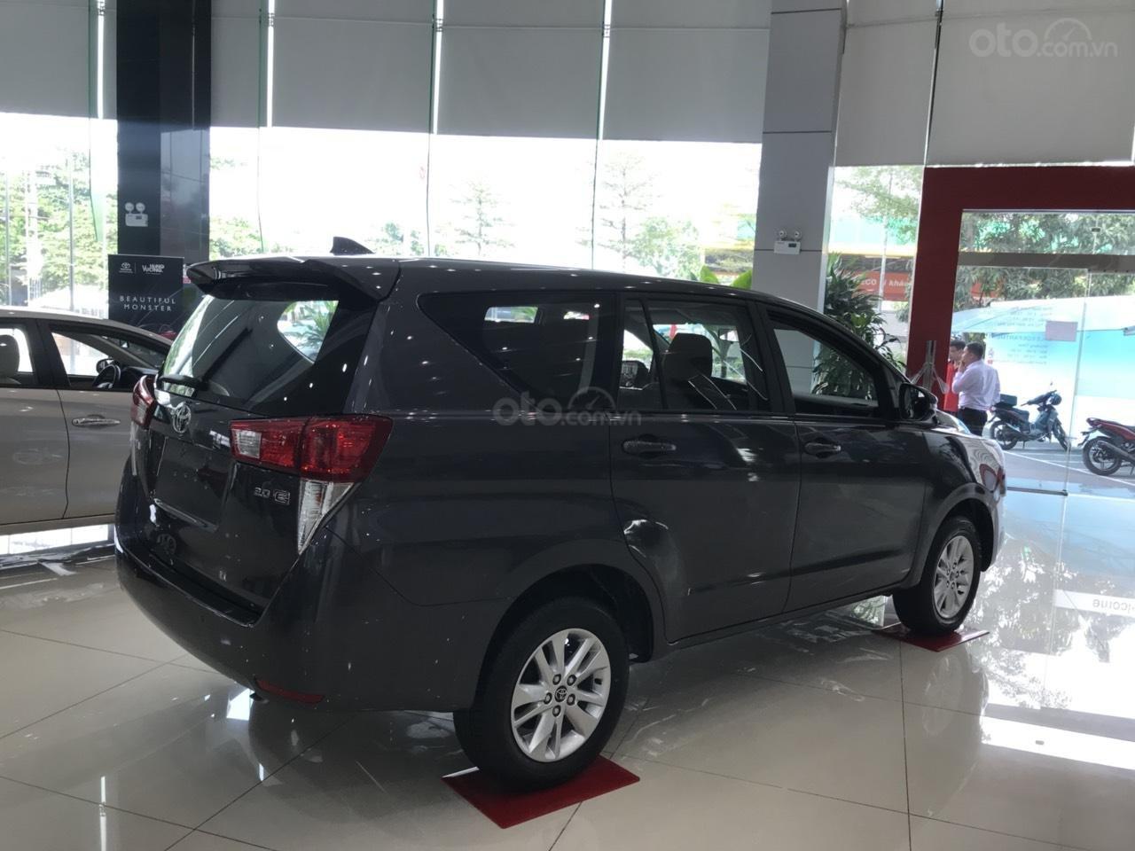 Toyota Hùng Vương bán xe Toyota Innova 2.0E 2019 - Tháng 5 khuyến mãi cực khủng giảm ngay 30triệu - LH: 0938998196-5