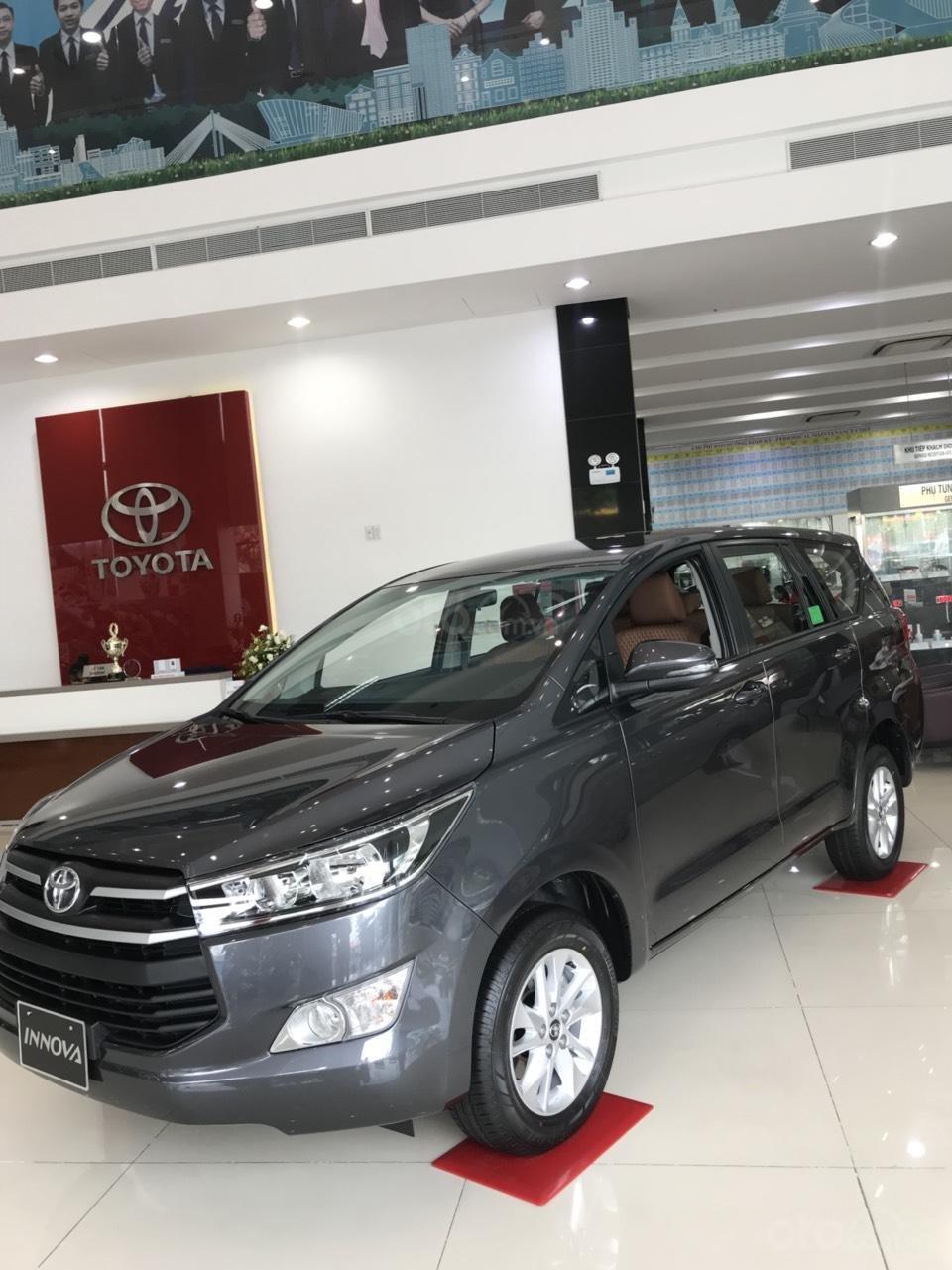Toyota Hùng Vương bán xe Toyota Innova 2.0E 2019 - Tháng 5 khuyến mãi cực khủng giảm ngay 30triệu - LH: 0938998196-7