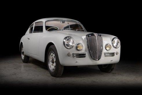 Xế cổ Lancia Aurelia B20 GT đẹp long lanh sau quá trình tái tạo tại Anh a5