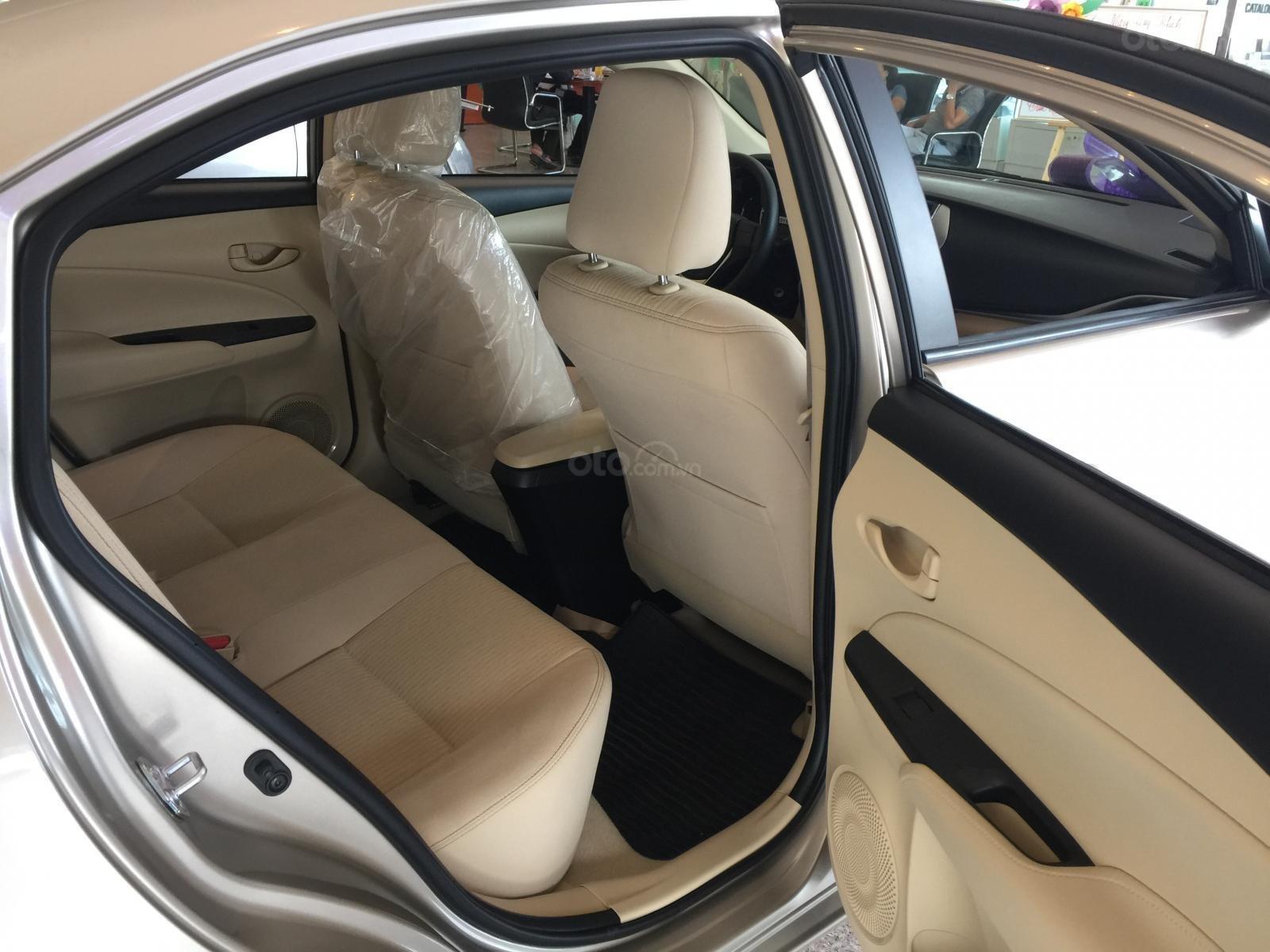 Toyota Vios E CVT 2019 giảm 20 trđ chỉ còn 570 trđ tại Toyota Tân Cảng- trả góp lãi suất 0%- LH ngay 0901.92.33.99  (9)