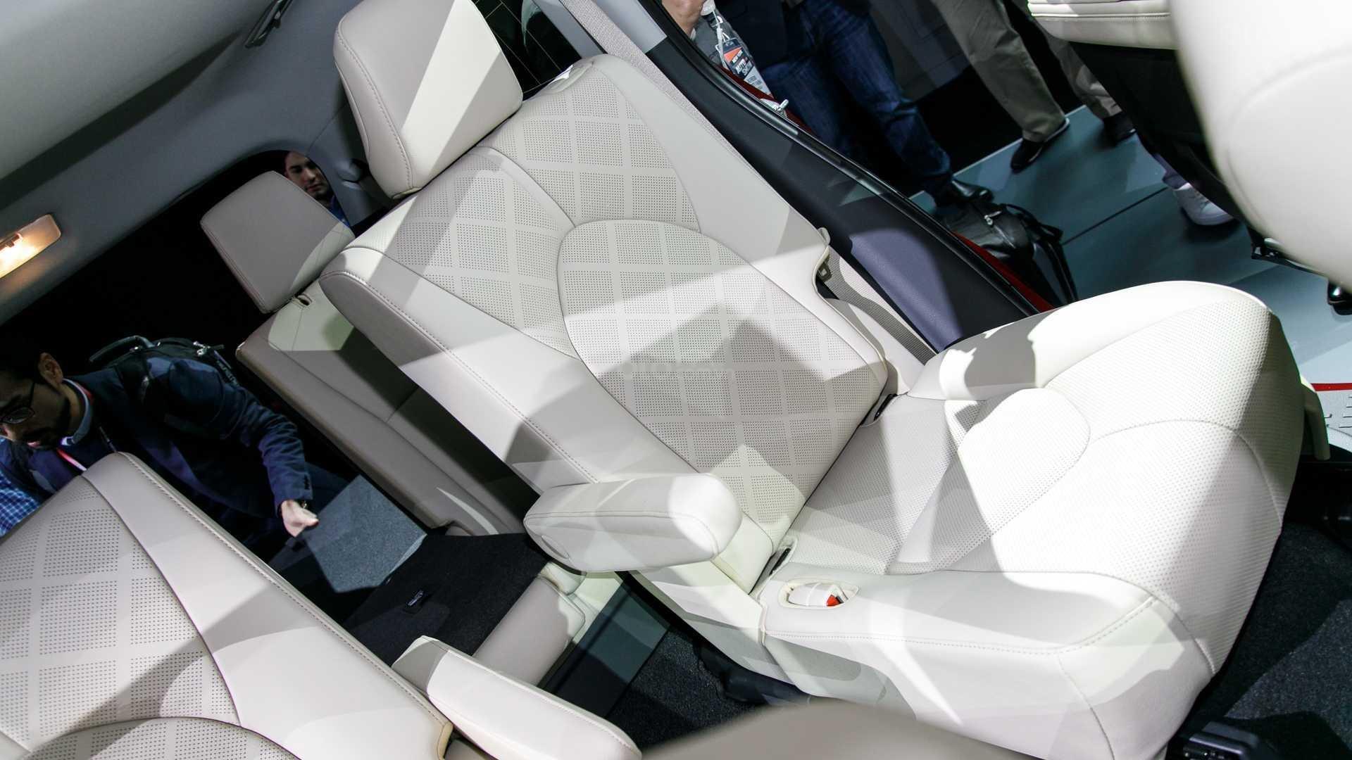 Đánh giá xe Toyota Highlander 2020: ghế ngồi