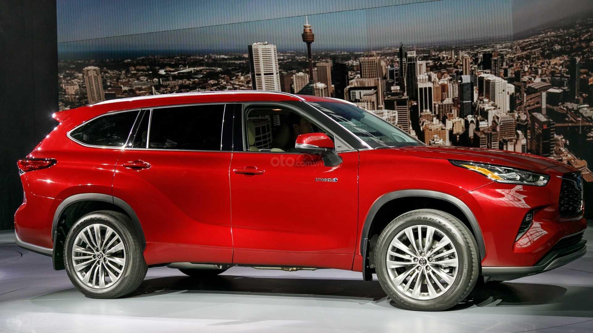 Đánh giá xe Toyota Highlander 2020 - thân xe 1