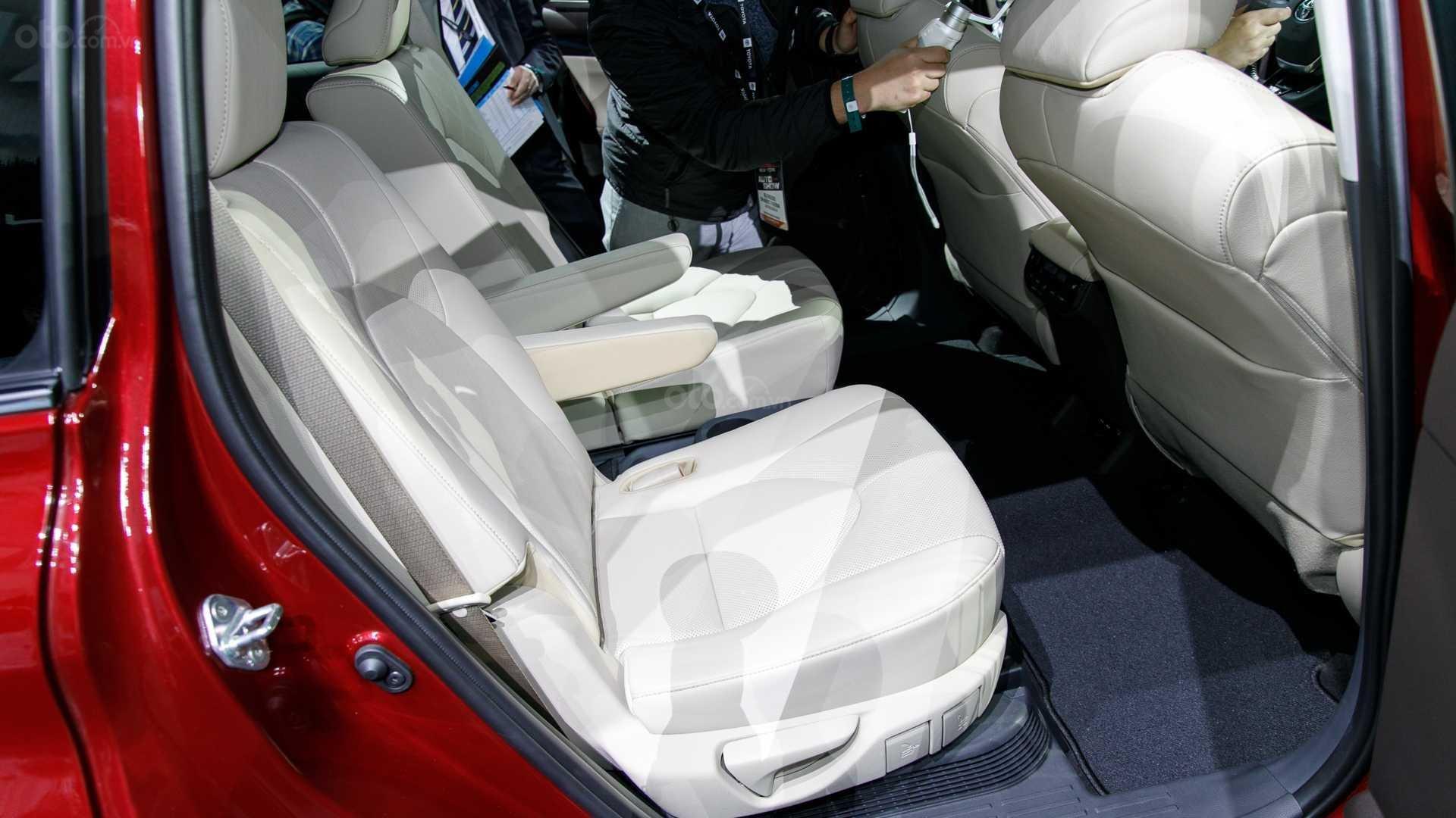 Đánh giá xe Toyota Highlander 2020 - ghế ngồi 2