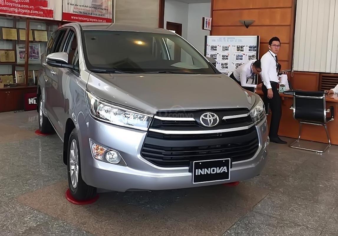 Toyota HIriroshima Tân Cảng bán Innova 2.0E 2019 mới 100% với nhiều ưu đãi hấp dẫn (1)