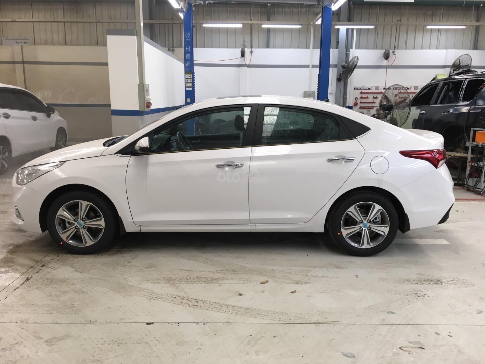 Bán Hyundai Accent 2019 giao ngay, giá cực tốt, KM cực cao, trả góp 90%, liên hệ 0901078111 để ép giá-3