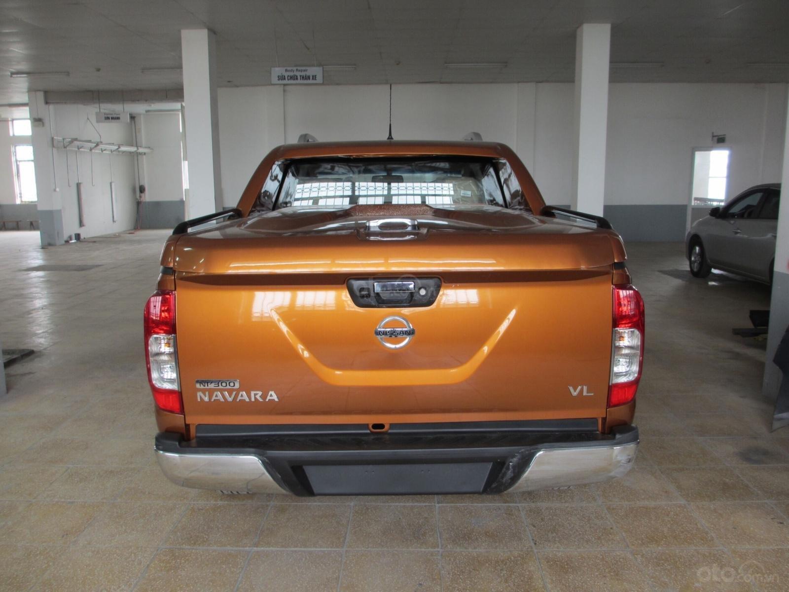 Bán ô tô Nissan Navara VL 2019, màu cam, nhập khẩu-2