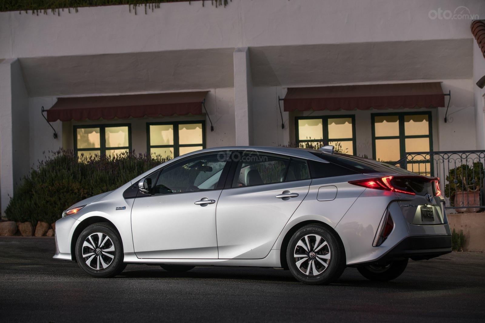 Toyota Prius Prime 2020 tăng số lượng ghế ngồi