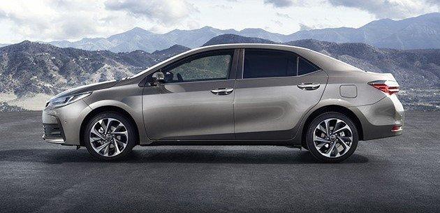 Đánh giá xe Toyota Corolla Altis