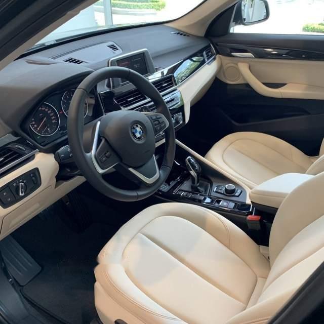 Bán xe BMW X1 sản xuất 2018, màu đen, xe nhập-2
