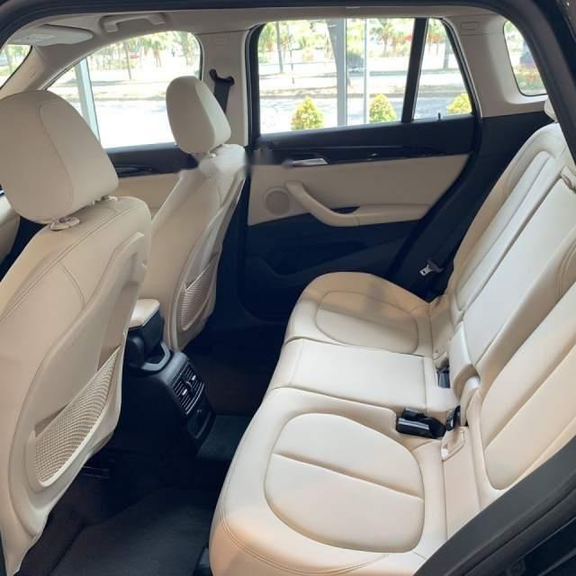 Bán xe BMW X1 sản xuất 2018, màu đen, xe nhập-4