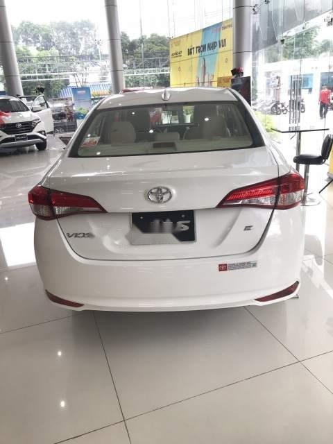 Cần bán xe Toyota Vios đời 2019, tặng 10 món tiêu chuẩn theo xe (3)
