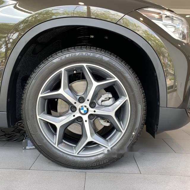 Bán xe BMW X1 sản xuất 2018, màu đen, xe nhập-5