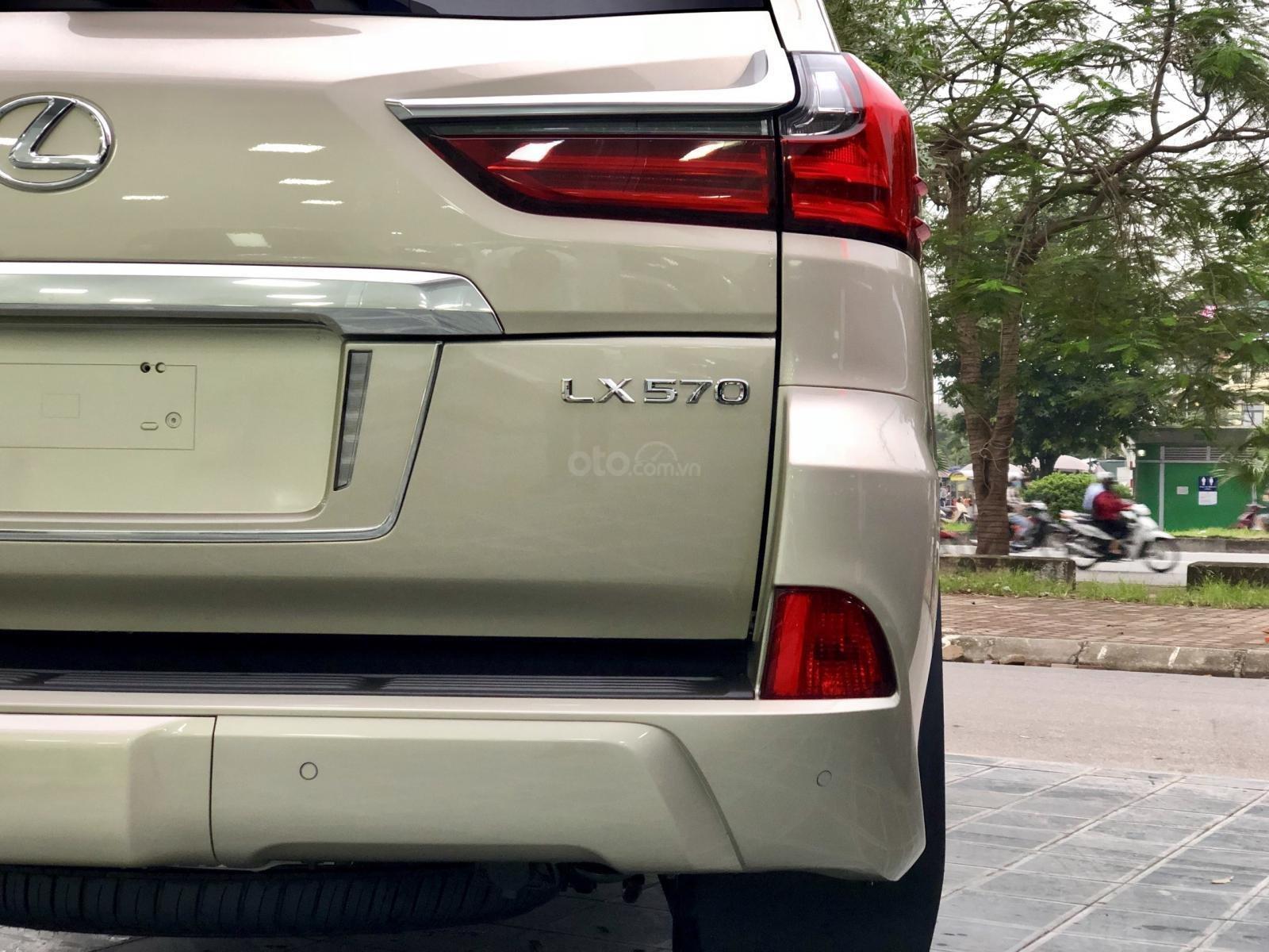Bán Lexus LX 570 sx 2019 nhập Mỹ, màu vàng cát, LH em Hương 0945392468-4