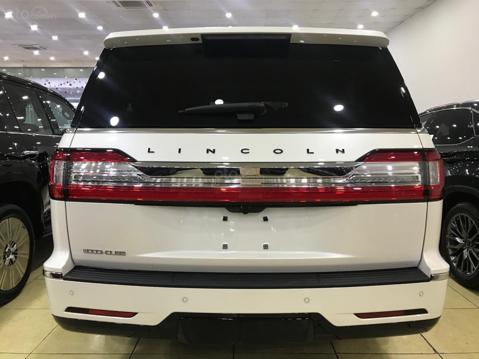 Bán xe Lincoln Navigator black label năm sản xuất 2018, màu trắng, nhập khẩu nguyên chiếc-3