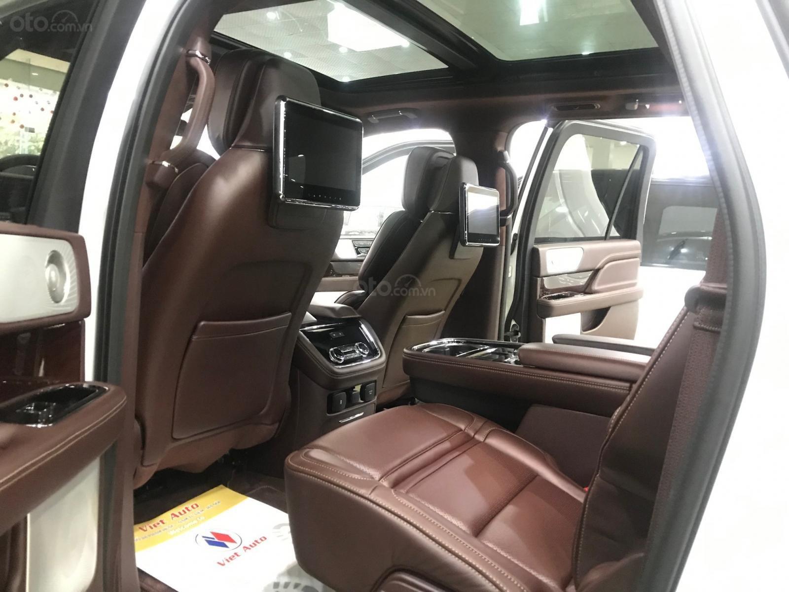 Bán xe Lincoln Navigator black label năm sản xuất 2018, màu trắng, nhập khẩu nguyên chiếc-12