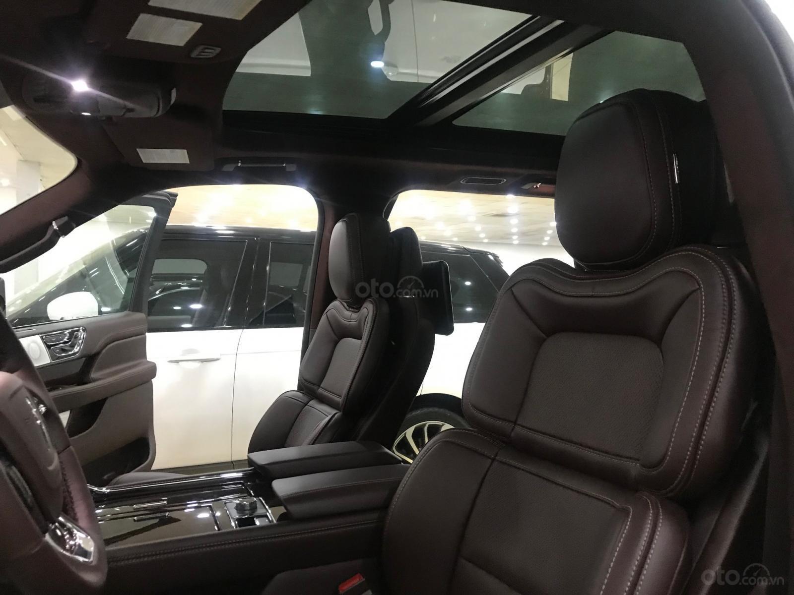 Bán xe Lincoln Navigator black label năm sản xuất 2018, màu trắng, nhập khẩu nguyên chiếc-17