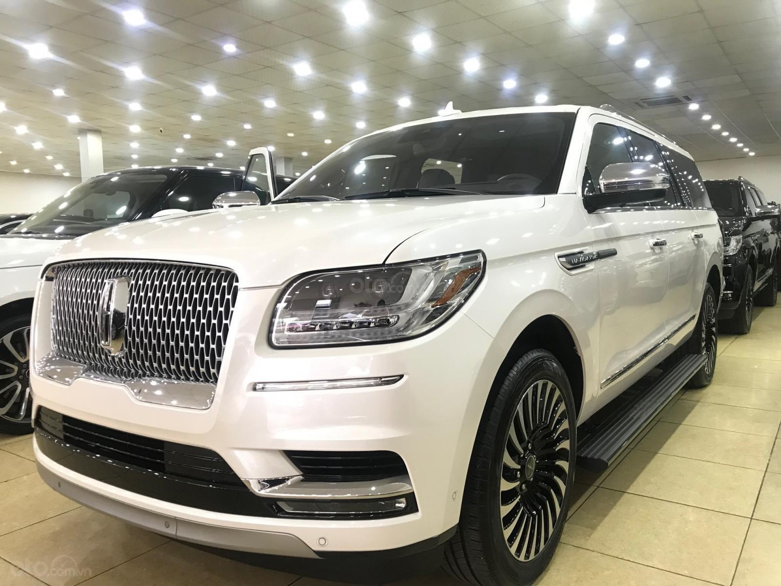 Bán xe Lincoln Navigator black label năm sản xuất 2018, màu trắng, nhập khẩu nguyên chiếc-18