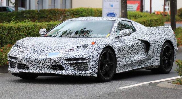 Chevrolet bắt đại lí sửa sang để đón C8 Corvette mới .