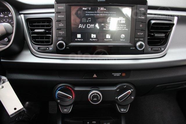 Đánh giá xe Kia Rio 2019 về màn hình thông tin giải trí: Hỗ trợ Android Auto/Apple CarPlay