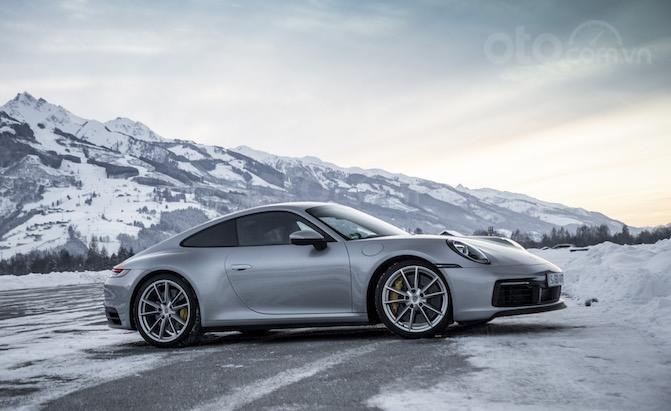Top 10 mẫu Coupe AWD tốt nhất - Porsche 911 Carrera 4S vẫn là vua