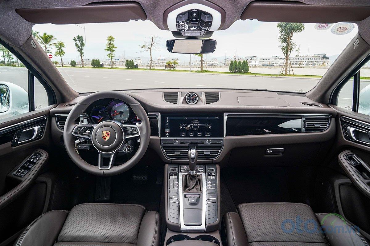 Đánh giá xe Porsche Macan S 2019: khoang lái.