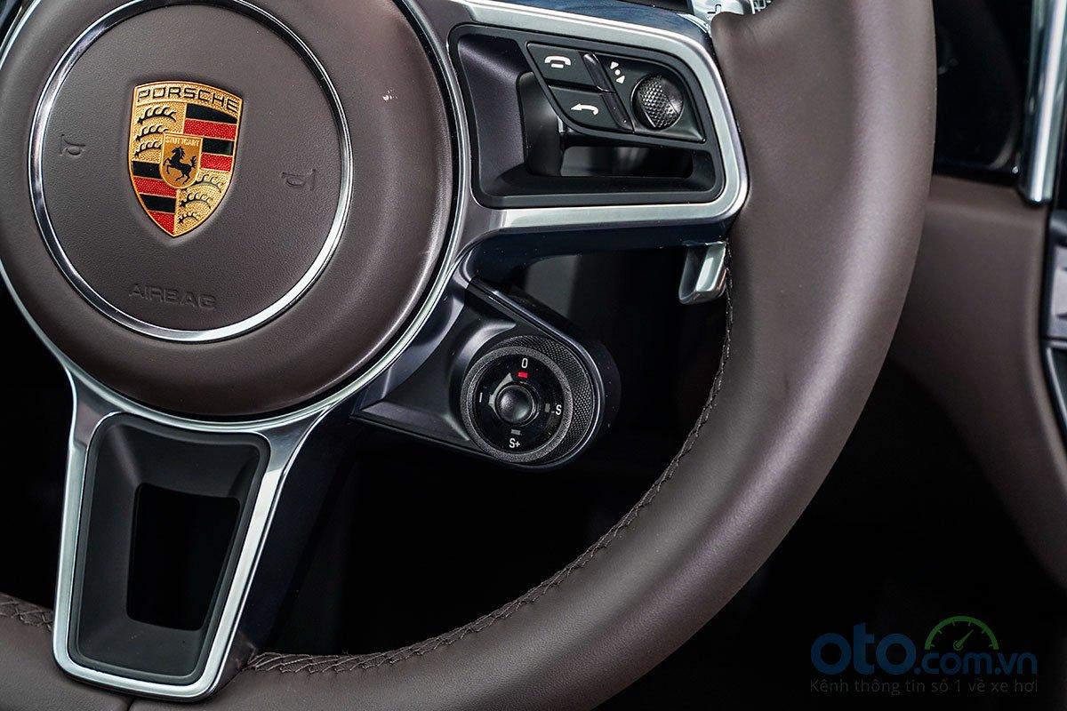 Đánh giá xe Porsche Macan S 2019: Núm xoay chuyển chế độ lái.
