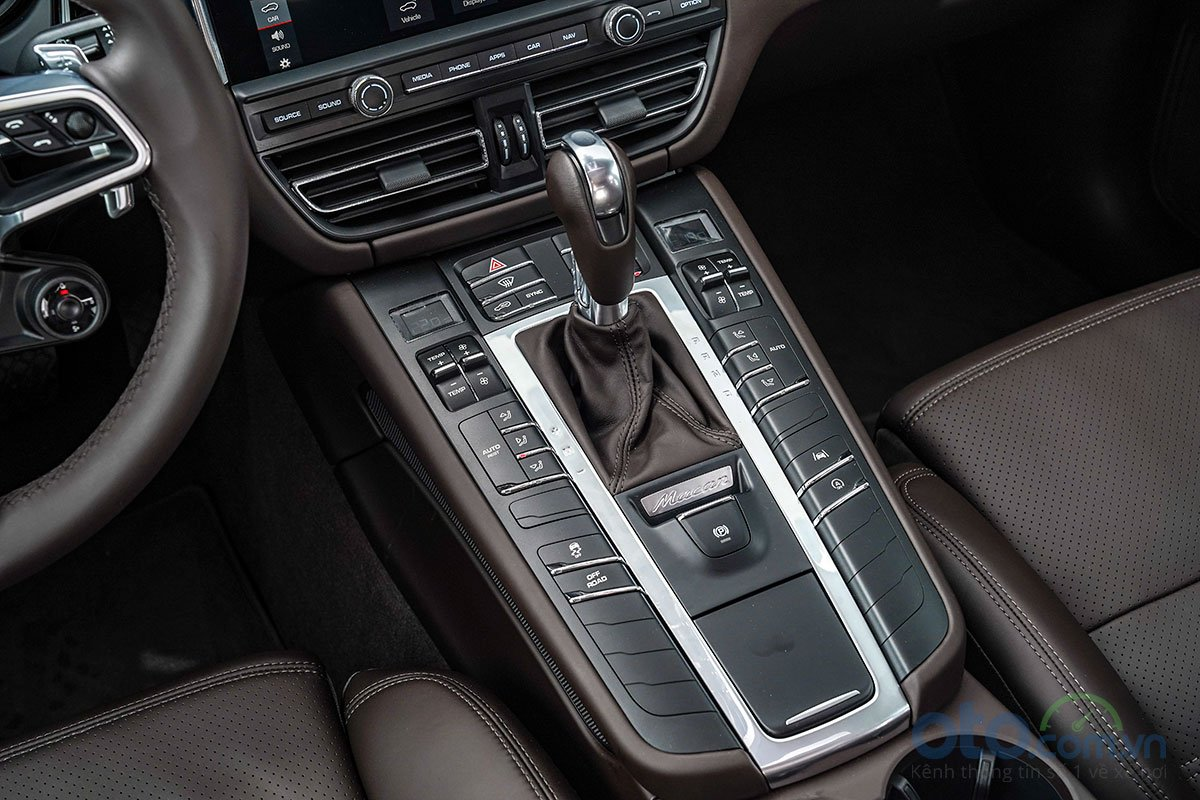 Đánh giá xe Porsche Macan S 2019: Hộp số 7 cấp ly hợp kép PDK.
