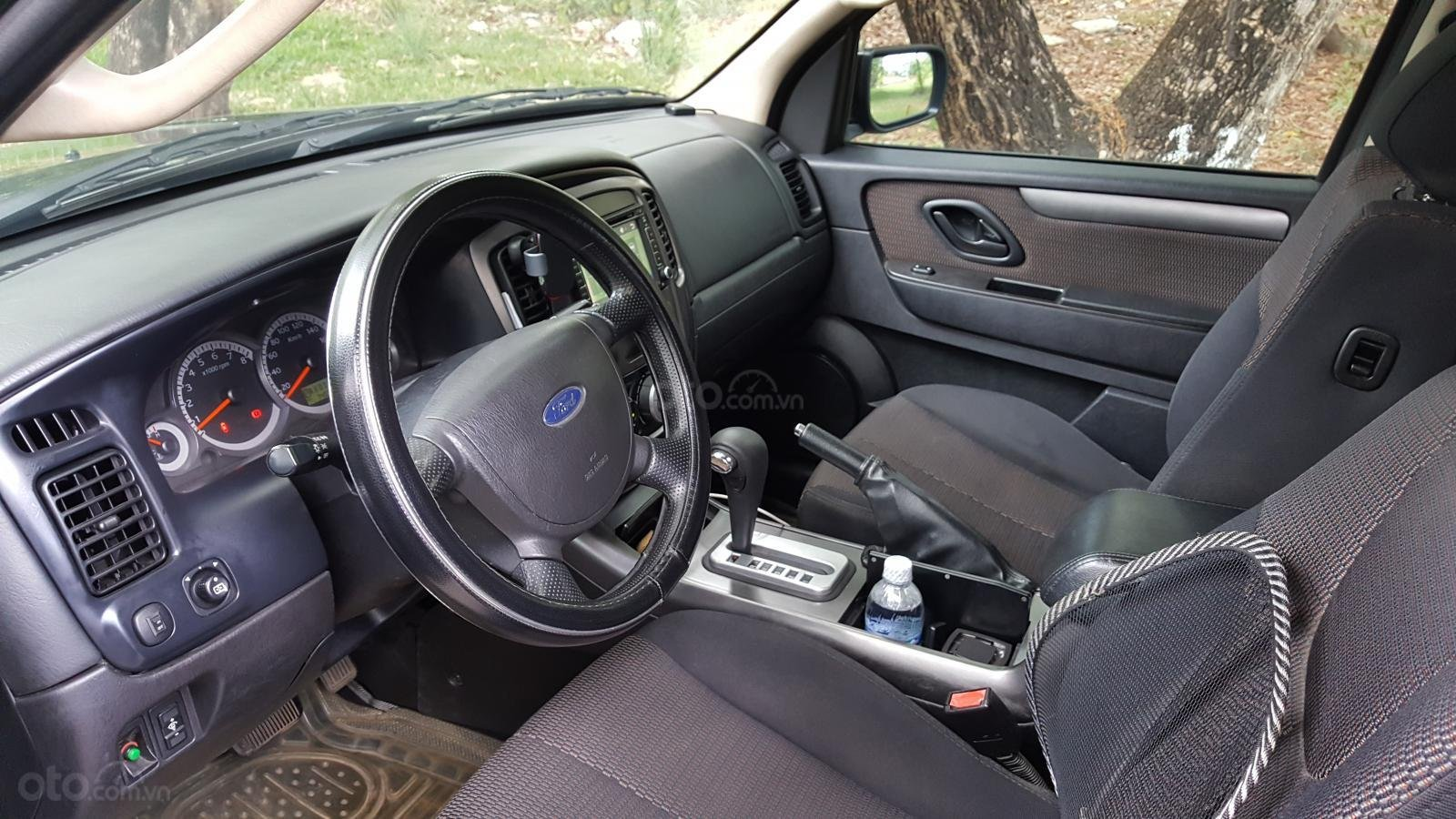 Bán Ford Escape XLS đời 2009, màu đen, giá 390tr-3