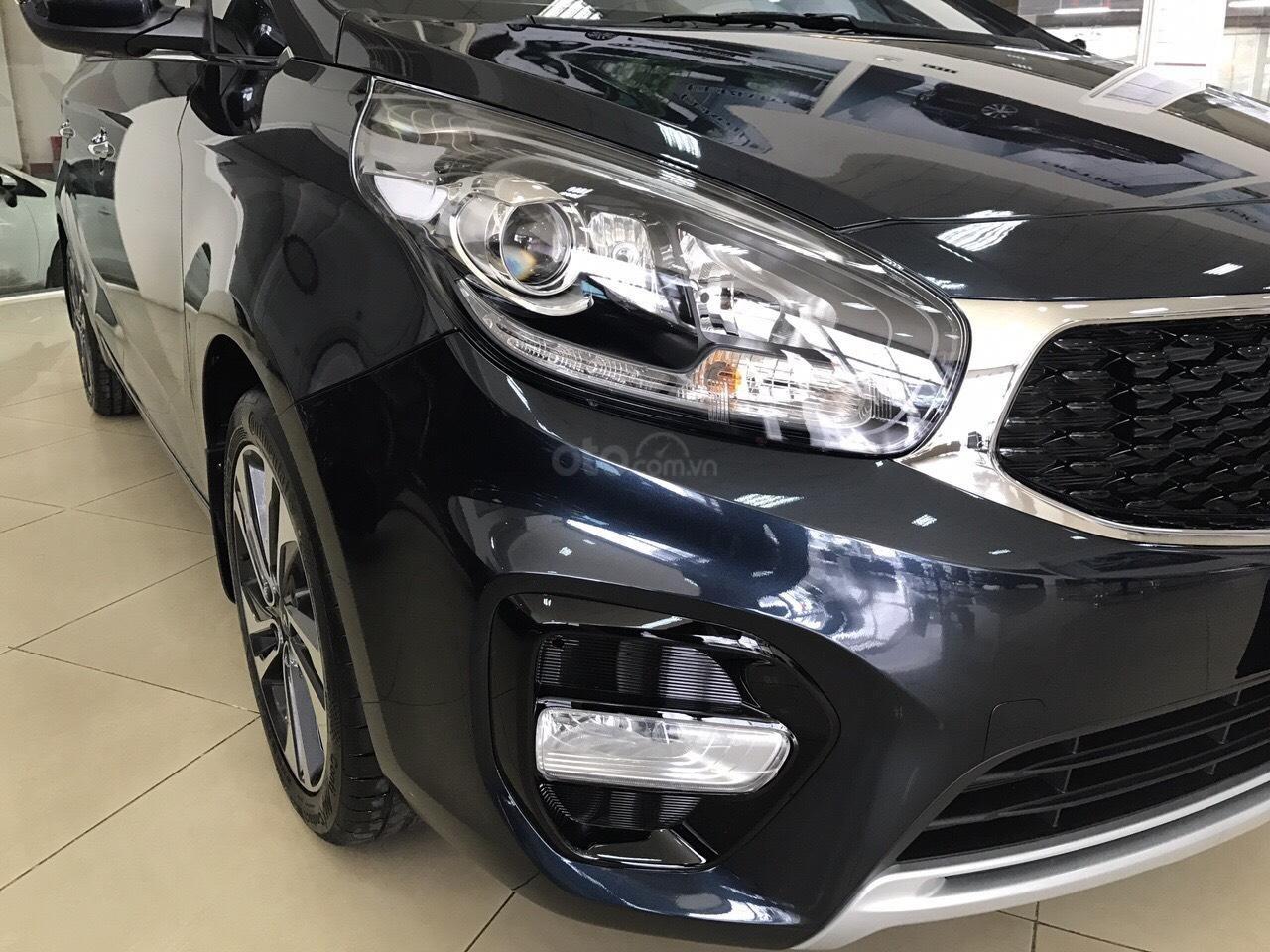 Kia Rondo GAT 2019 option trang bị cao nhất phân khúc minivan giảm tiền mặt + tặng BHVC xe-1