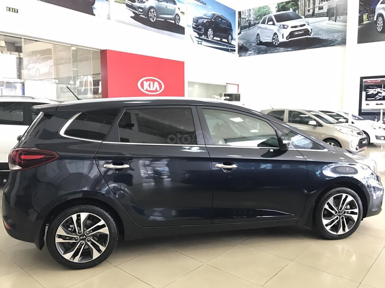 Kia Rondo GAT 2019 option trang bị cao nhất phân khúc minivan giảm tiền mặt + tặng BHVC xe-0
