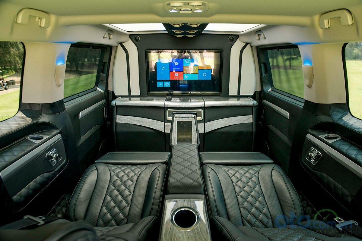 Ghế ngồi Peugeot Traveller trên phiên bản Premium tạo sự riêng tư với nhiều trang bị cao cấp.