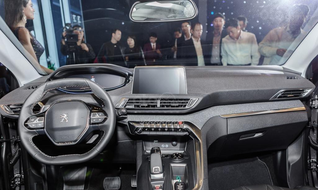 Peugeot 5008 2019 giá tốt nhất-4