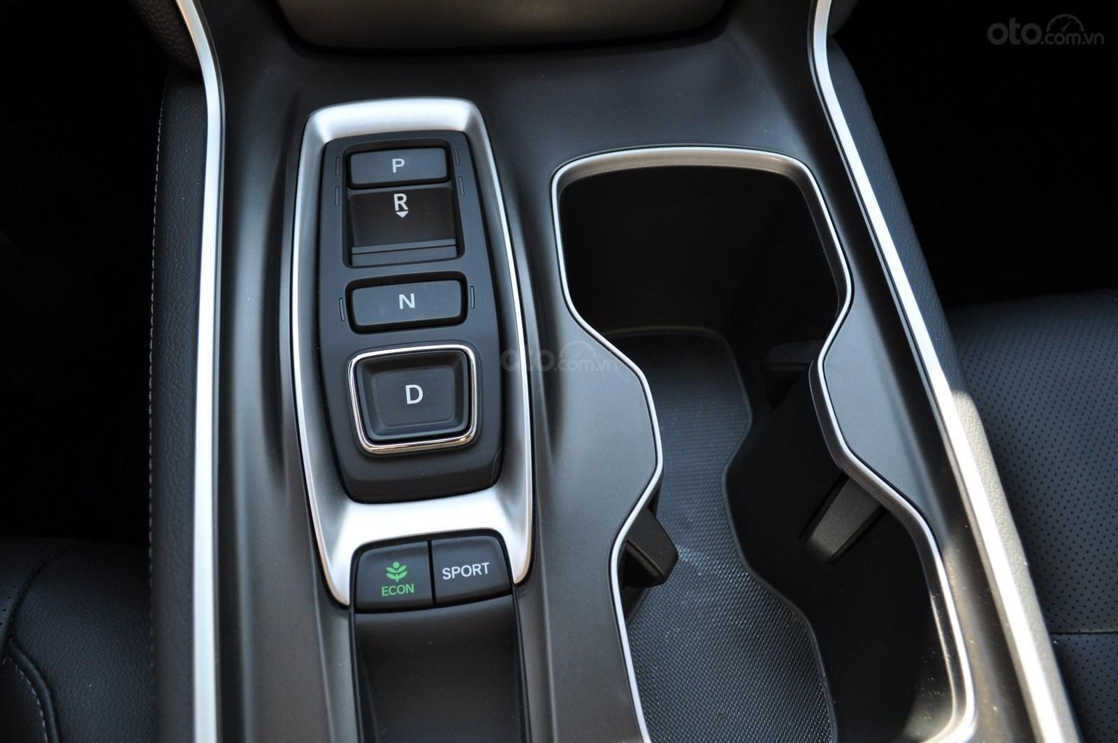 Đánh giá xe Honda Accord 2019 Sport - hộp số tự động