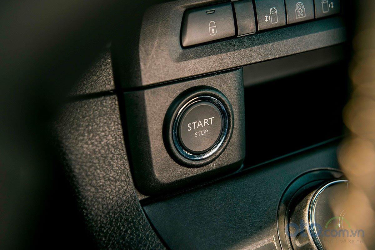 Peugeot Traveller 2019: Nút bấm khởi động.