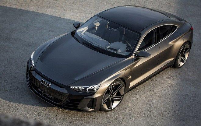 Audi e-tron GT được trang bị công nghệ sạc nhanh...
