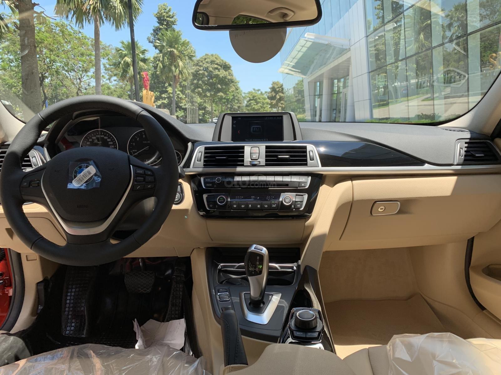 BMW 320i 2019 - KM 100% trước bạ - Liên hệ 0938308393-17
