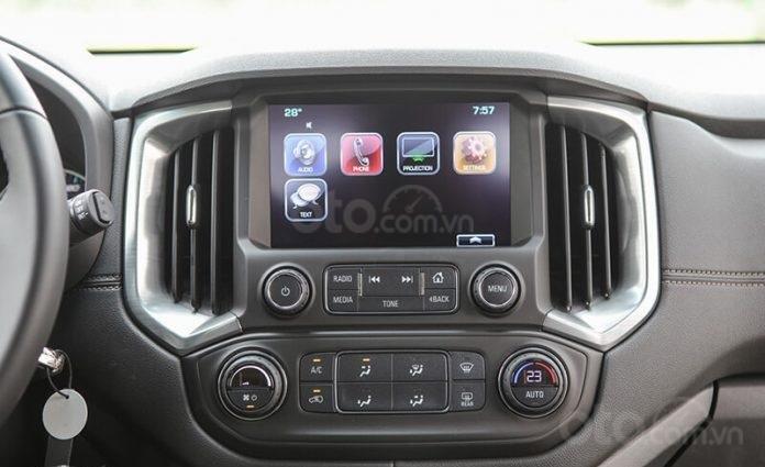 """Bán Chevrolet Trailblazer giảm giá ưu đãi """"100 triệu"""" duy nhất trong tháng - Nhận xe ngay - Giá tốt nhất (7)"""