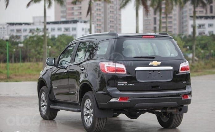 """Bán Chevrolet Trailblazer giảm giá ưu đãi """"100 triệu"""" duy nhất trong tháng - Nhận xe ngay - Giá tốt nhất (3)"""