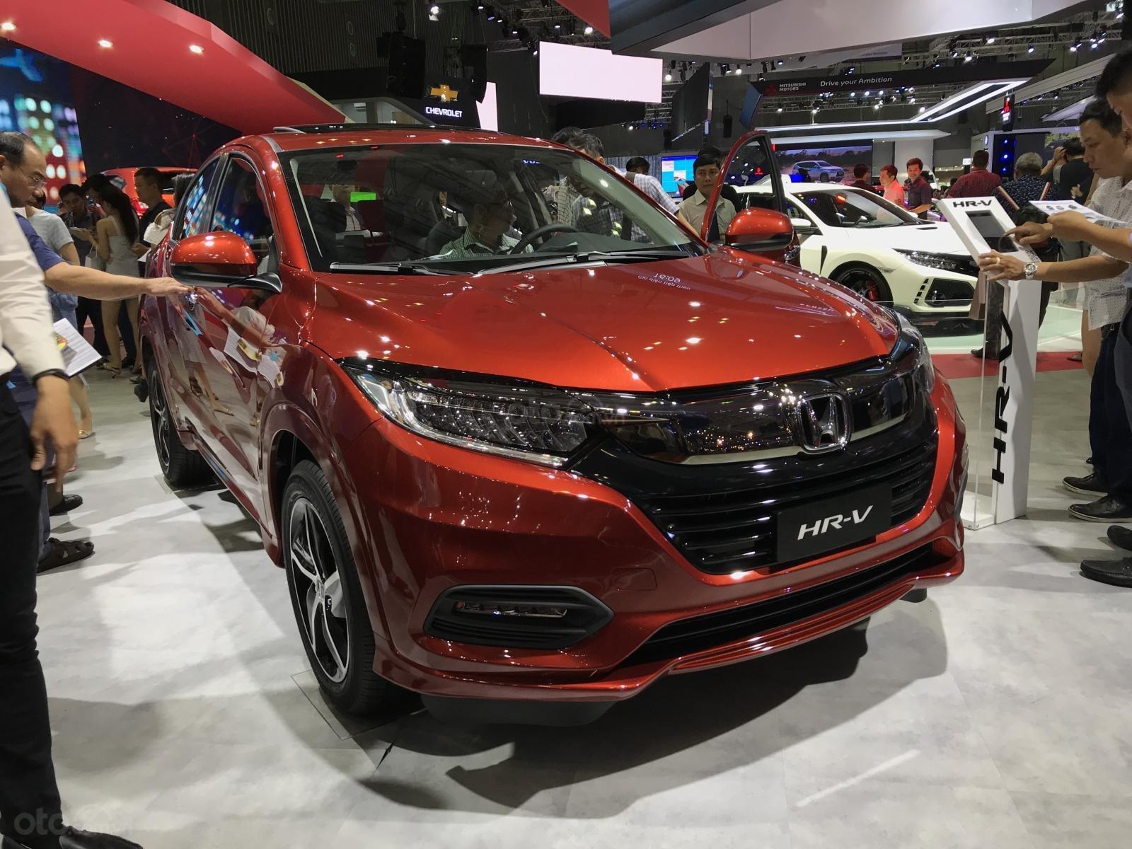 Honda HR-V L, màu đỏ, nhập khẩu. Bao góp trọn gói 250tr. LH 0933.683.056-6