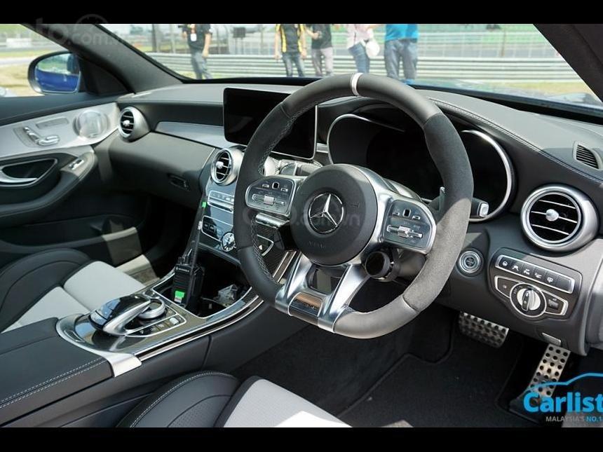 Mercedes-AMG C63S trang bị tân tiến