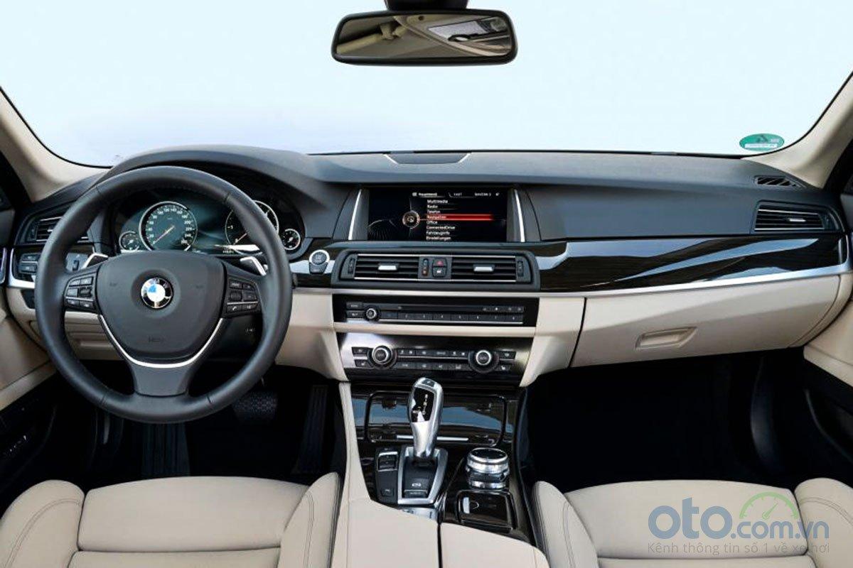 Nội thất BMW 5-Series.