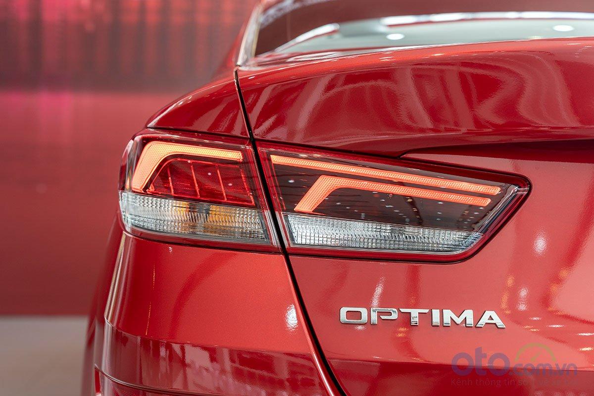 Đánh giá xe Kia Optima 2019: Cụm đèn hậu LED kiểu mới.