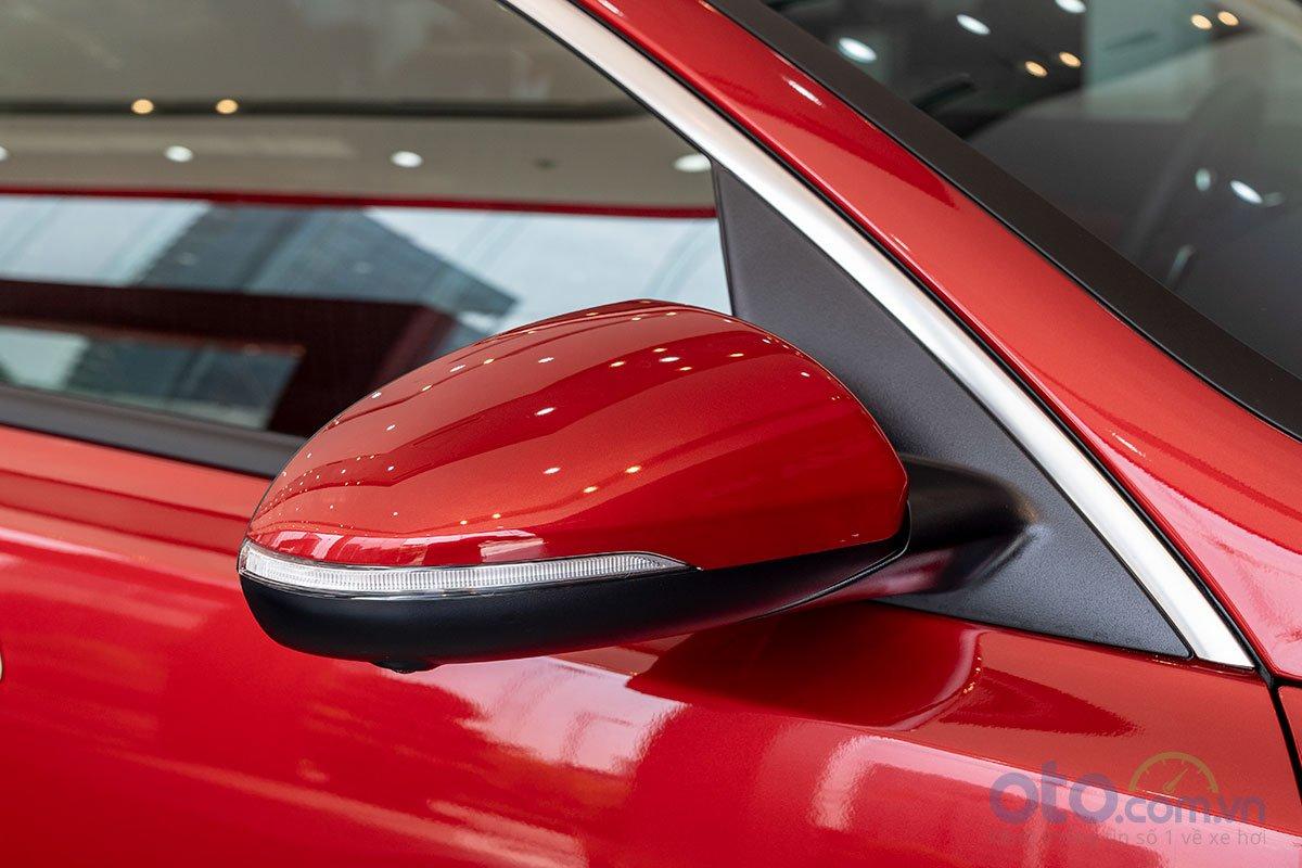 Đánh giá xe Kia Optima 2019: Gương chiếu hậu tích hợp dải xi-nhan LED.