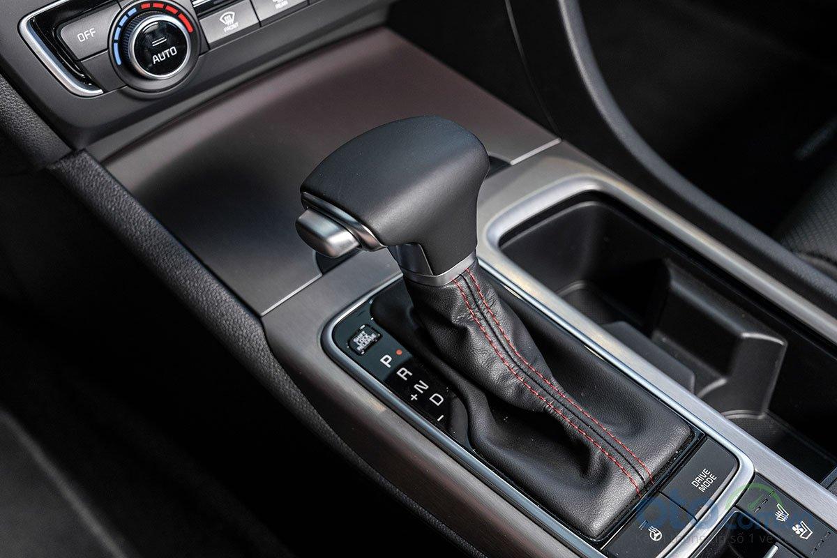 Đánh giá xe Kia Optima 2019: Hộp số.