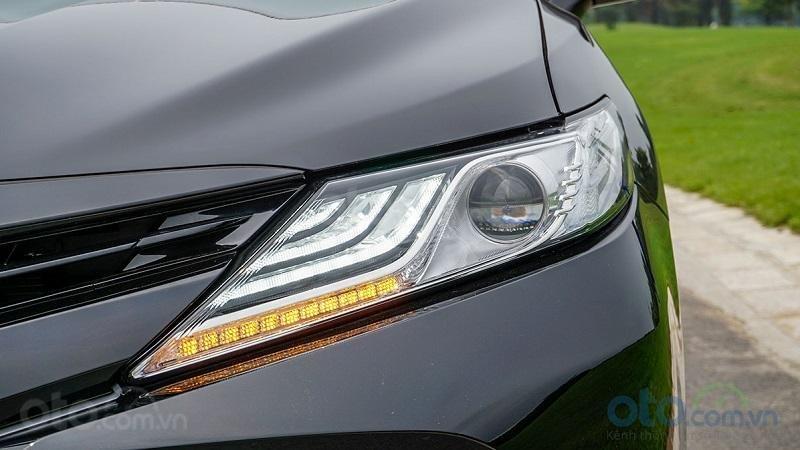 Đèn pha Toyota Camry 2.5Q 2019...