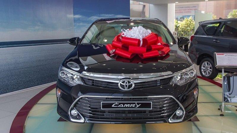 Đầu xe Toyota Camry 2018...