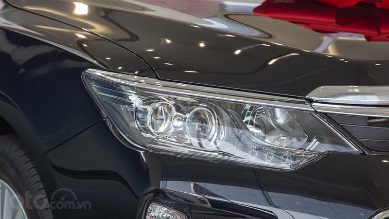 Đèn pha Toyota Camry 2.5Q 2018..