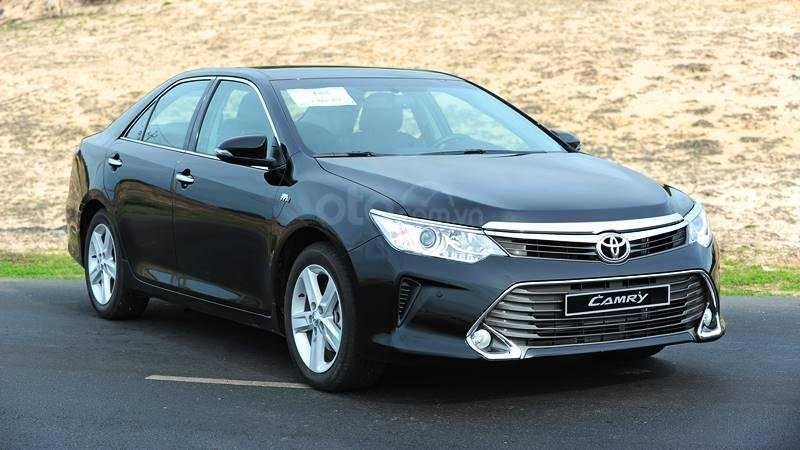 So sanh Toyota Camry 2.5Q the he moi va the he cu tai Viet Nam
