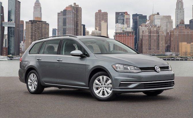 Volkswagen Golf SportWWagen 4Motion 2019 màu ghi